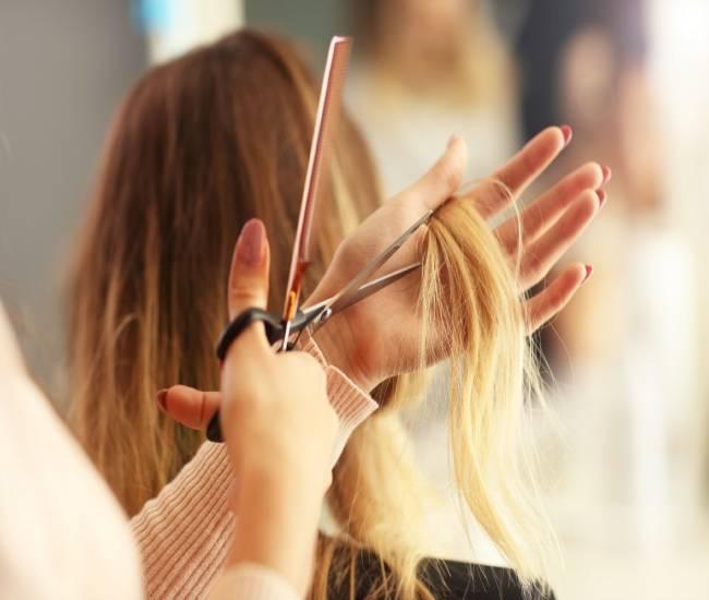 بهترین میکاپ کار و آرایشگر زن کرج | بهترین سالن زیبایی و آرایشگاه زنانه عروس کرج