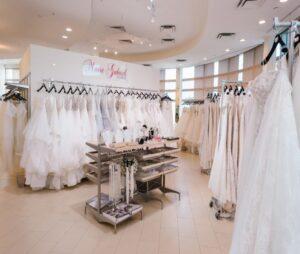 بهترین مزون لباس عروسی کرج، مزون لباس عقد محضری کرج و مزون مانتوی عقد محضری و حضوری کرج در افرازتالار