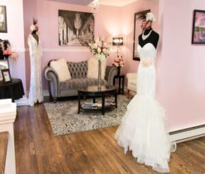 قیمت بهترین مزون کرج و قیمت مزون لباس عروسی کرج |  قیمت هزینه اجاره رنت کرایه لباس عروس در بهترین مزون های کرج