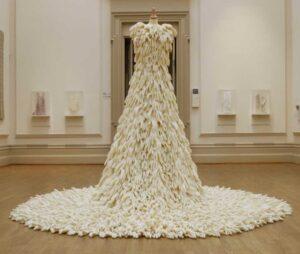 مزون لباس عقد کیش | مزون لباس عقد محضری کیش | قیمت لباس مجلسی عروسی کیش | قیمت لباس عقد مجلسی کیش