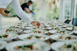اجاره کرایه ظرف ظروف مجالس عروسی تولد عقد لوکس ارزان کرمان | کرایه اجاره میز صندلی فلزی پلاستیکی عروسی تولد کرمان
