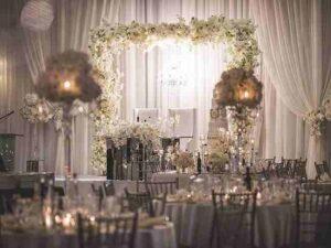 آموزش و خدمات گل فروشی های قزوین جهت گل آرایی تالارها مراسم سفره عقد و گل کاری ماشین عروس در محل