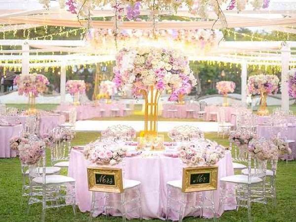 سفارش انلاین گل در قزوین | گل فروشی در قزوین | گل آرایی گل کاری تالارها ماشین عروس سفره اتاق عقد قزوین