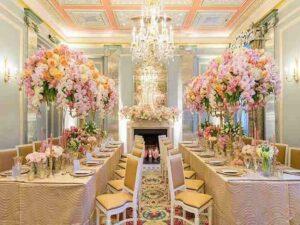 لیست گلفروشی های سنندج سفارش دسته باکس تاج گل گل آرایی سالن ها مراسم تولد عروسی گل آرایی ماشین عروس سنندج کردستان