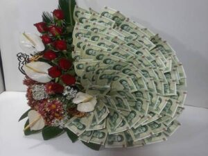 گل آرایی و تزئین پول برای عروسی و تولد تبریز   آموزش گل آرایی وخدمات تزیین پول در تبریز