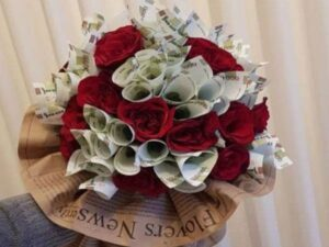 گل آرایی و تزئین پول برای عروسی و تولد قزوین | قیمت سفارش تزیین پول توسط بهترین گل فروشی های قزوین