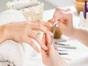 آرایشگاه زنانه اصلاح ابرو کراتیه کوتاهی فر مو پاکسازی پوست میکاپ کار عروس سالن زیبایی کاشان خمینی شهر نجف آباد شاهین شهر