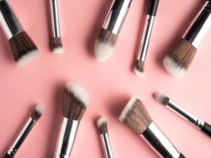 بانک اطلاعات آرایشگاه های زنانه صفاییه آزادشهر یزد سالن زیبایی میبد اردکان آرایشگر میکاپ عروس بافق مهریز تفت