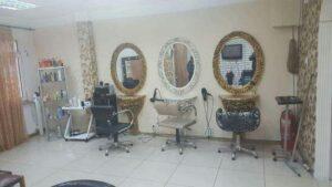 بهترین آرایشگاه زنانه کوتاهی فر کراتینه رنگ اصلاح مو ابرو سالن زیبایی میکاپ عروس پاکسازی پوست گلستان کیان آباد اهواز